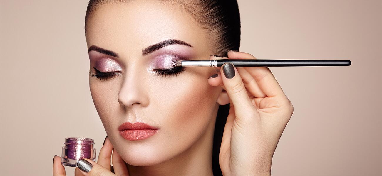 Celebrity Makeup Essential Training